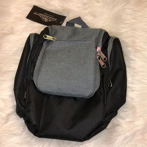 Other - Muckledhoot NEW w/tag neccesity Travel pouch